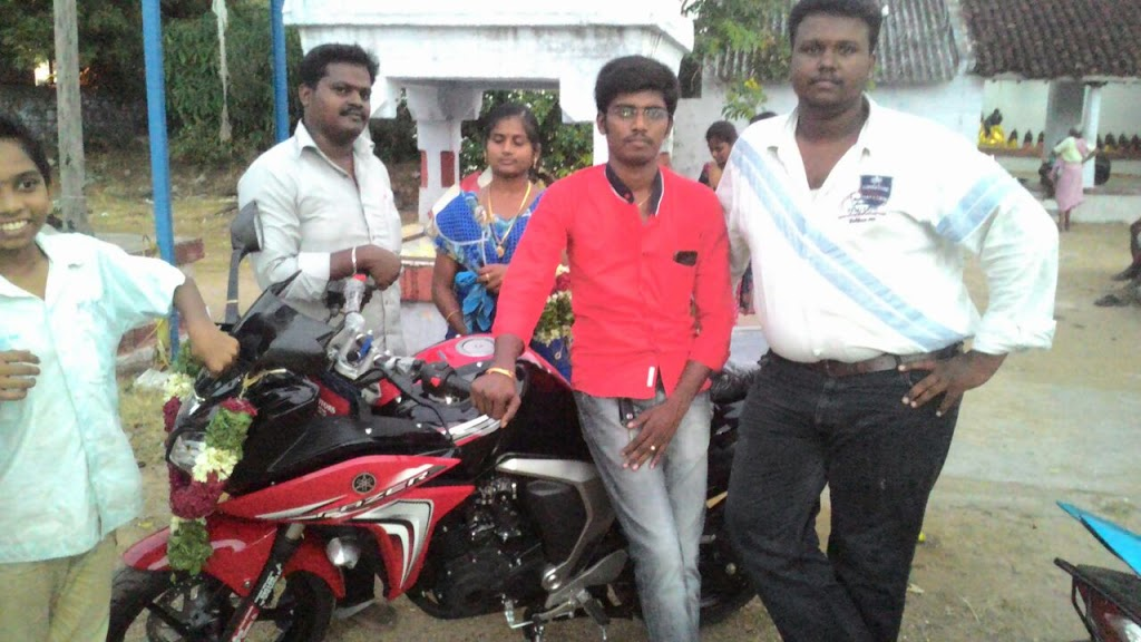 My Hearty Congratulations to my Childhood friend and Present Student kannan sri, purchased a New Yamaha Fazer bike